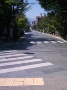 きつい坂道の中央通り