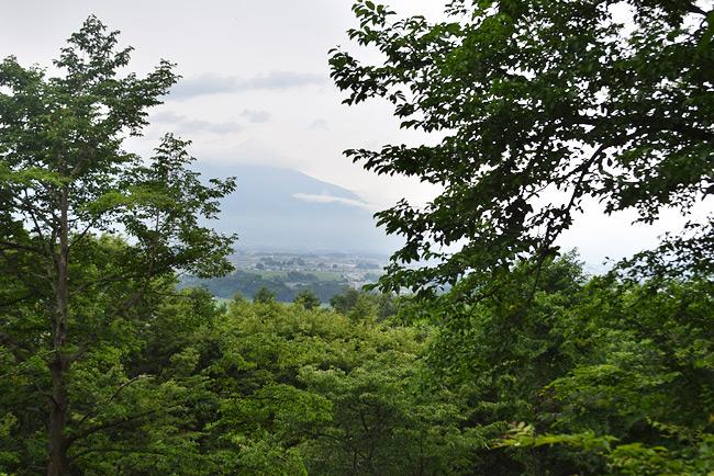 虚空蔵山コース途中からの浅間山の眺め