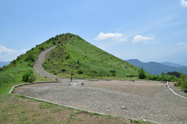 飯盛山の麓は休憩スペース?もあります。