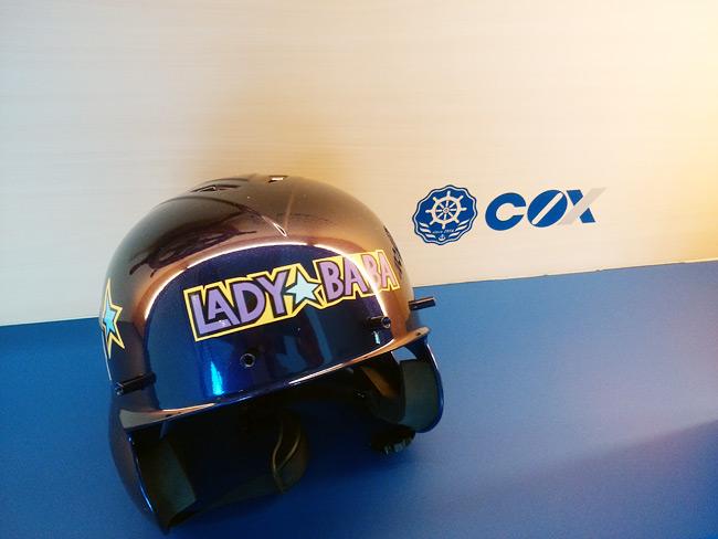 雪合戦レディースチーム「LADY BABA」様 競技用ヘルメット チームロゴ/キャラクターカッティング【正面】